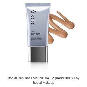 Rodial   Skin Tint + 20 SPF Rio -04 (Dark)